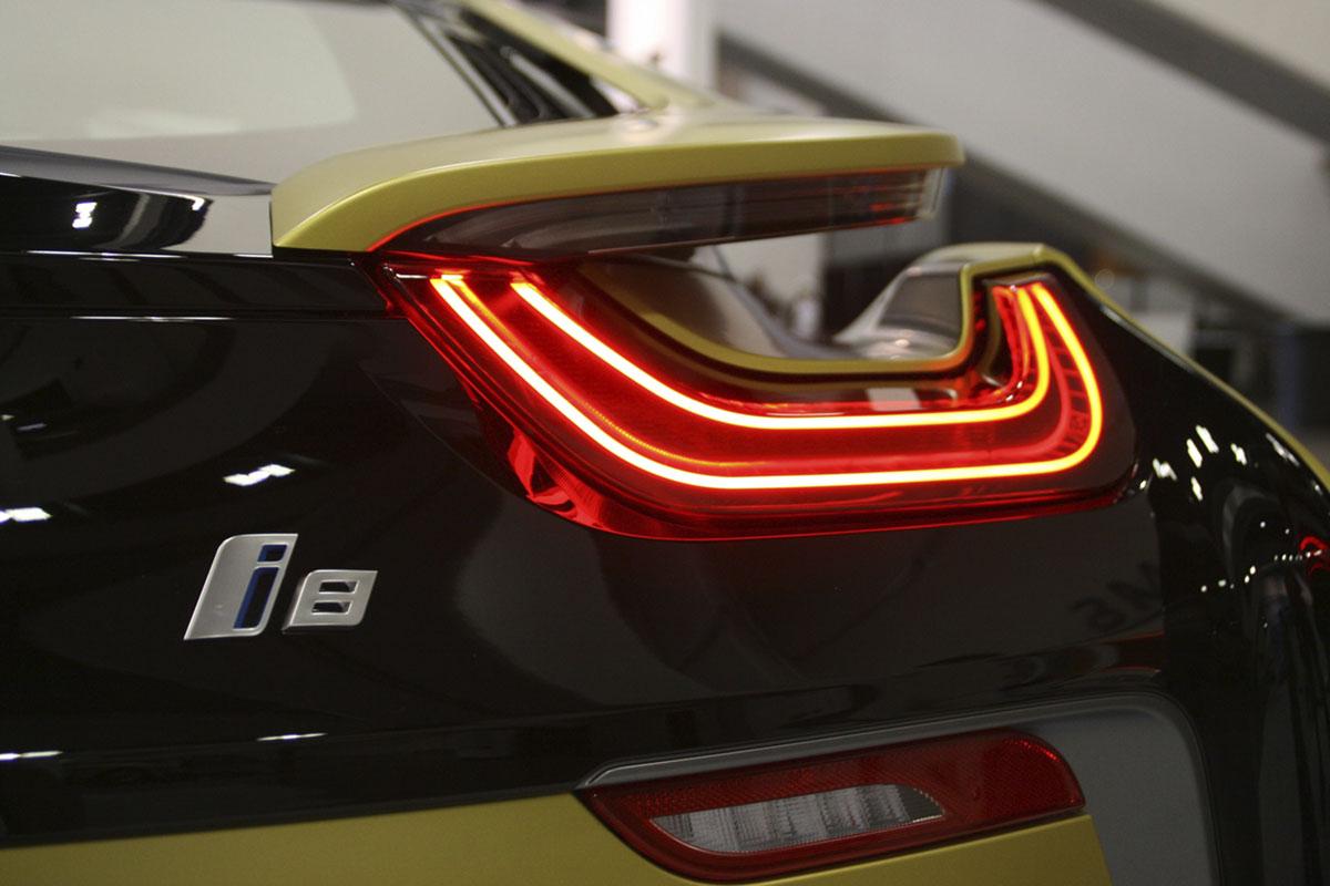 auto ibrida i8 bmw